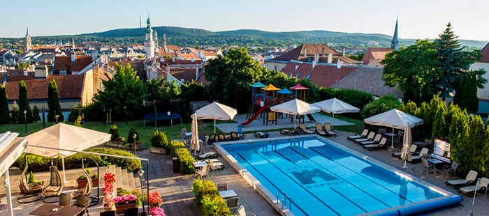 Sopron Pool1