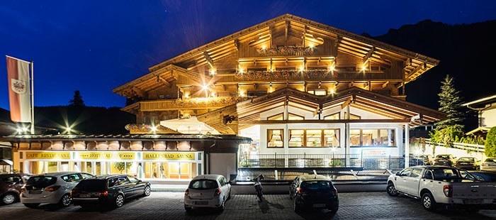 Alphof Hotel Nacht