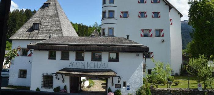 Muenichau Hotel Einfahrt