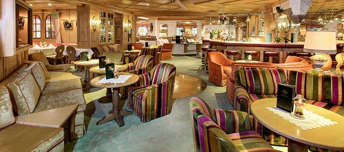 Bauer Lounge