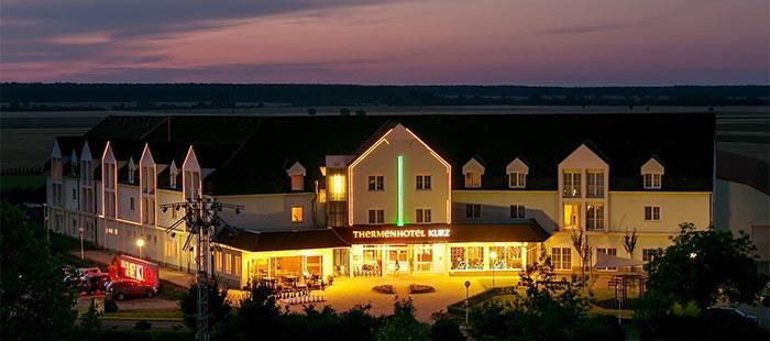 Kurz Hotel2
