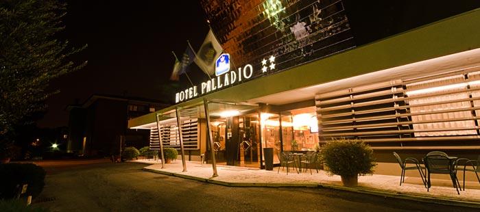 Palladio Haus Abend