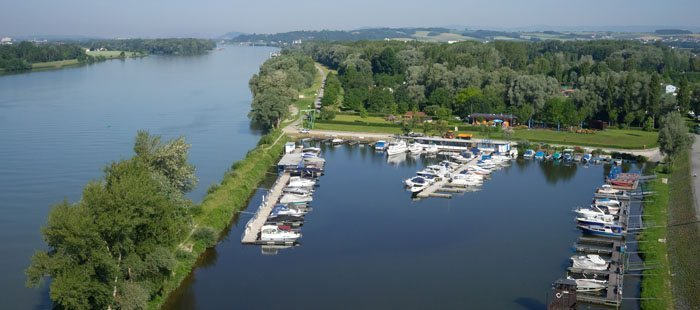 Camping & Pension Au an der Donau