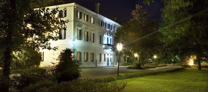 Villarevedin Haus Abend