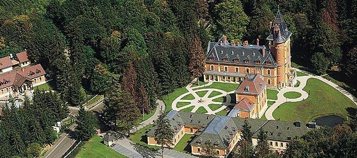 Sasvar Schloss Von Oben