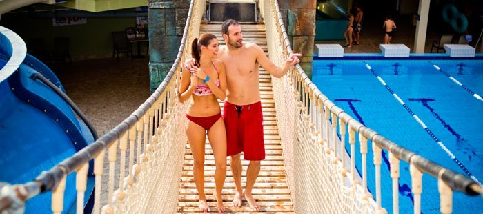 Aquaworld Aquaworld Paar Auf Bruecke