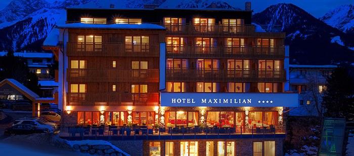 Maximilian Hotel Winter Abend