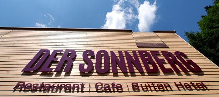 Sonnberg Hotel Schriftzug