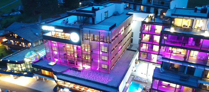 Adler Hotel Abend