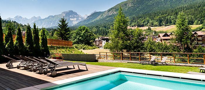 Dolomites Pool Terrasse