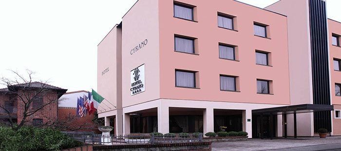 Cyrano Hotel