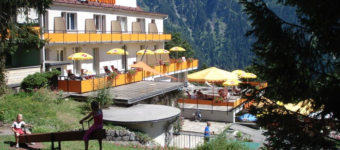 Adrenalin Hotel2
