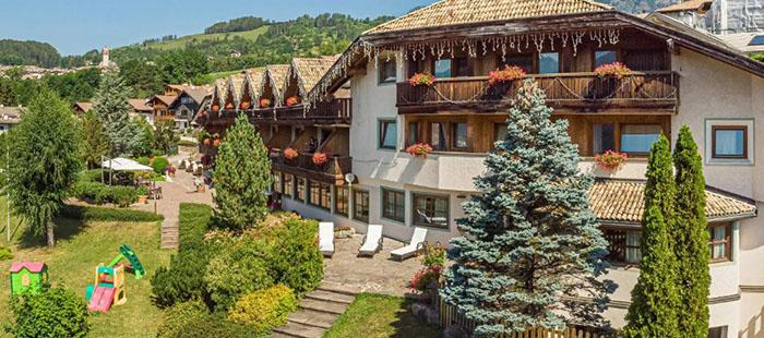 Bellacosta Hotel