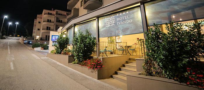 Ivando Hotel Eingang2