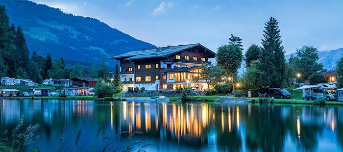 Neunbrunnen Hotel Abend